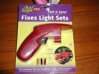 Christmas light fixer